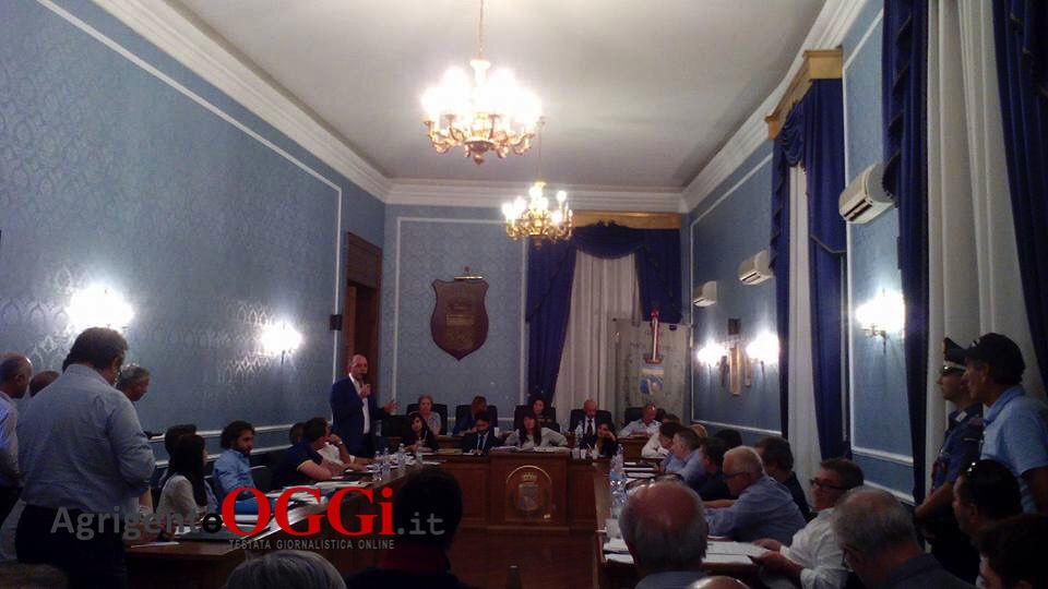 Porto Empedocle: votato il dissesto all'unanimità