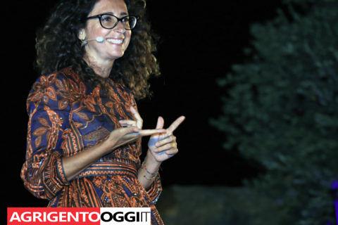 La comica palermitana Teresa Mannino, racconta Andrea Camilleri