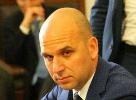 Sfiduciato sindaco Licata anti-abusivi che vive sotto scorta